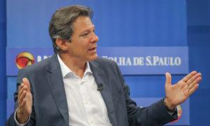 Fernando Haddad, Atila Iamarino e UOL espalham notícias falsas sobre compra de vacinas