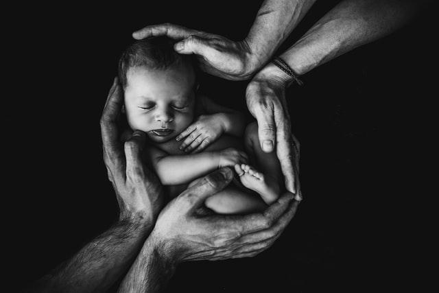'Isso não é um bebê!': a tragédia das crianças nascidas vivas após aborto