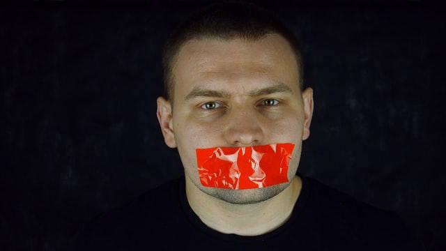 """Esquerda cria a """"censura do bem"""""""