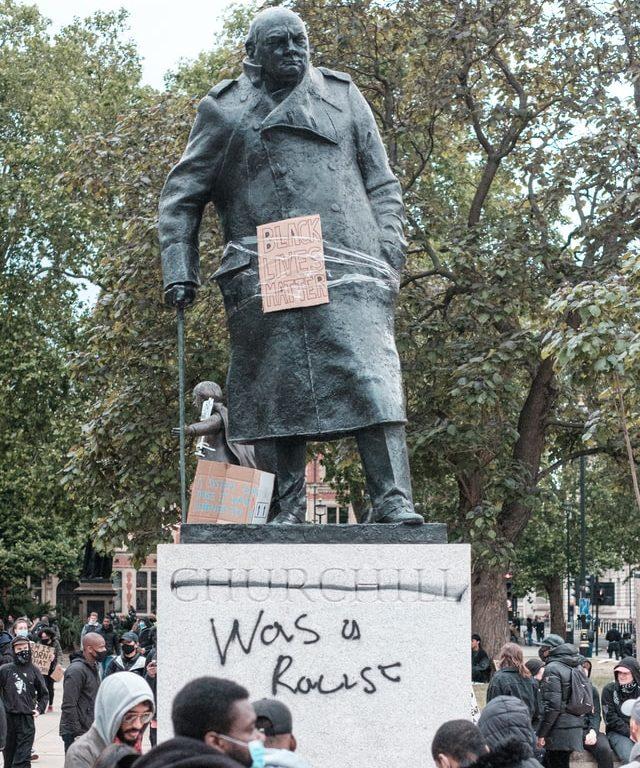 Sobre George Floyd, estátuas, história e preconceitos