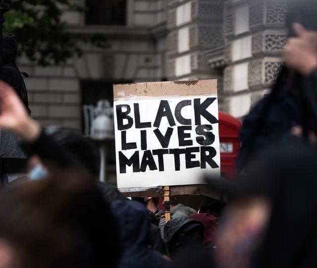"""A hipocrisia marxista oculta no canto da sereia: """"vidas negras importam"""""""