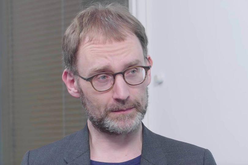 """Modelagem de Neil Ferguson, usada pelo Imperial College, é """"uma bagunça cheia de erros"""""""