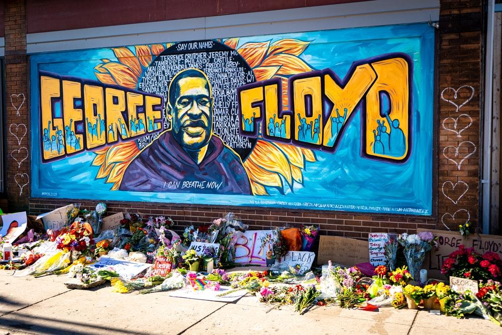 Morte de George Floyd: novas informações chocam os americanos