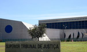 Servidores do Judiciário ganham o triplo dos servidores do Executivo