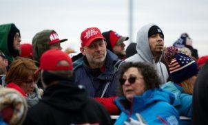Trump manda excluir teoria racista das agências federais