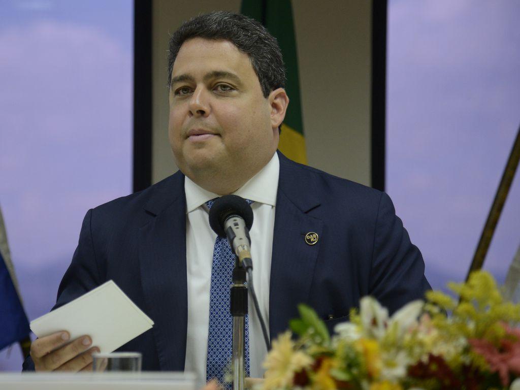 Repasse a presidente da OAB foi feito por indicação de advogado de Lula