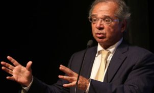 Bolsonaro: Paulo Guedes é o cara da política econômica