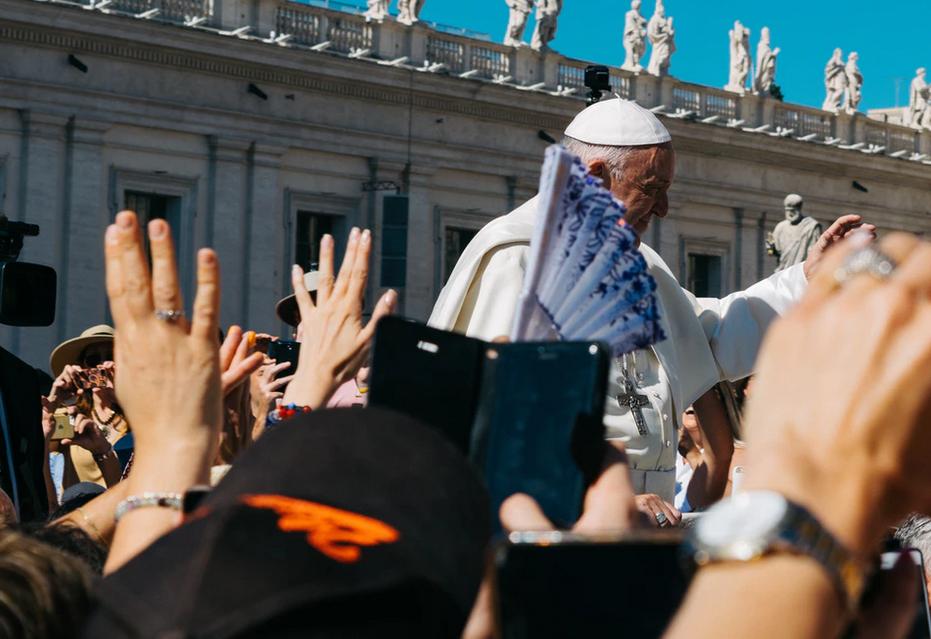 Papa é criticado por defender casamento homossexual