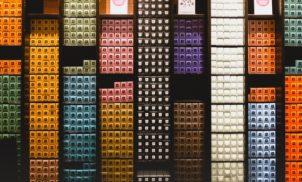 Vinhedo recebe coletor de cápsulas usadas que premia os consumidores