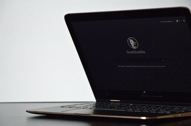 DuckDuckGo vai fornecer dados de quem rastreia a navegação dos internautas