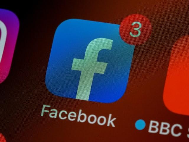 Facebook admite que errou ao censurar vídeo sobre hidroxicloroquina