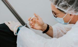 Estudo da UFSC aponta vacina tríplice viral contra a Covid-19