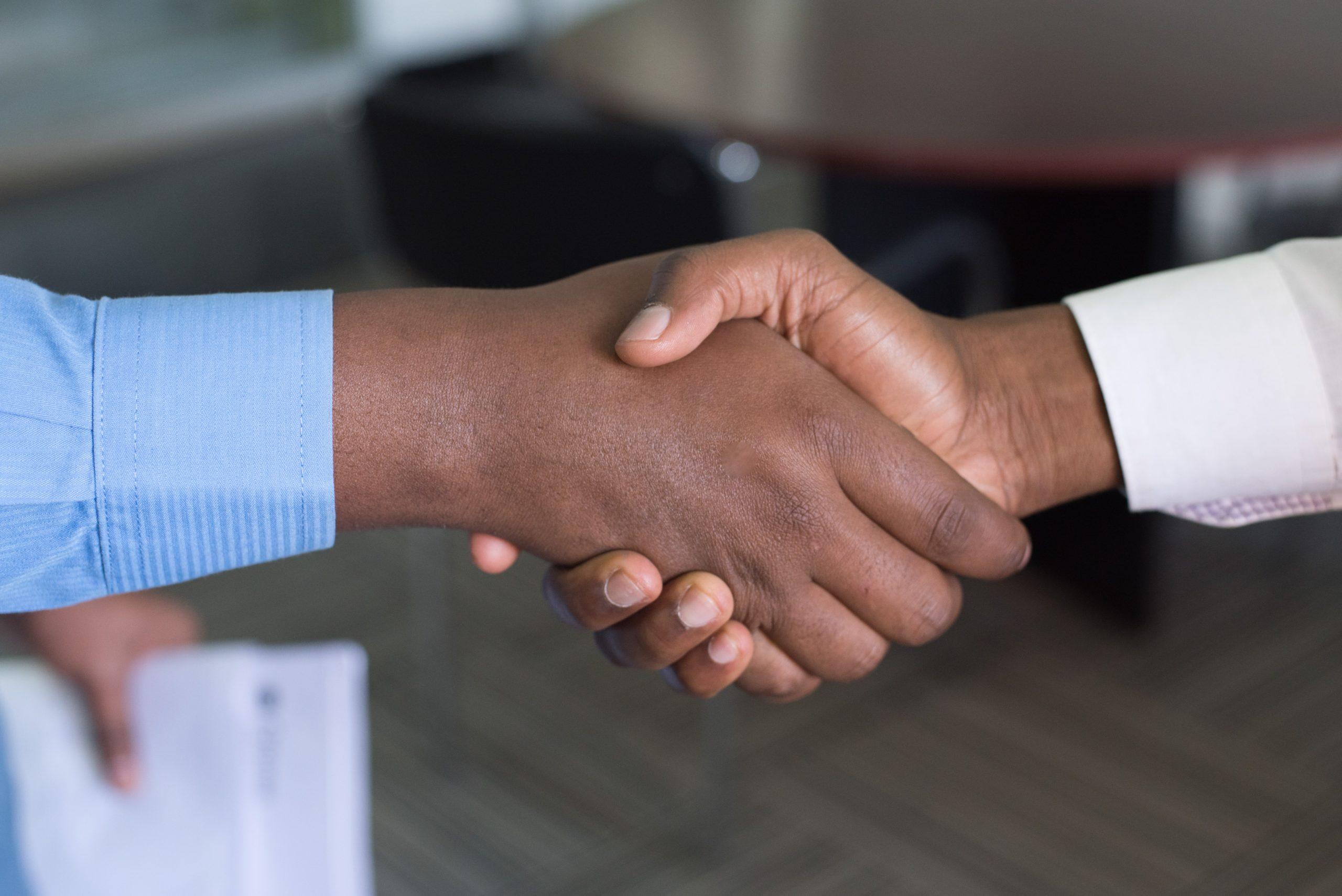 4 maneiras de expandir seus negócios com os clientes existentes