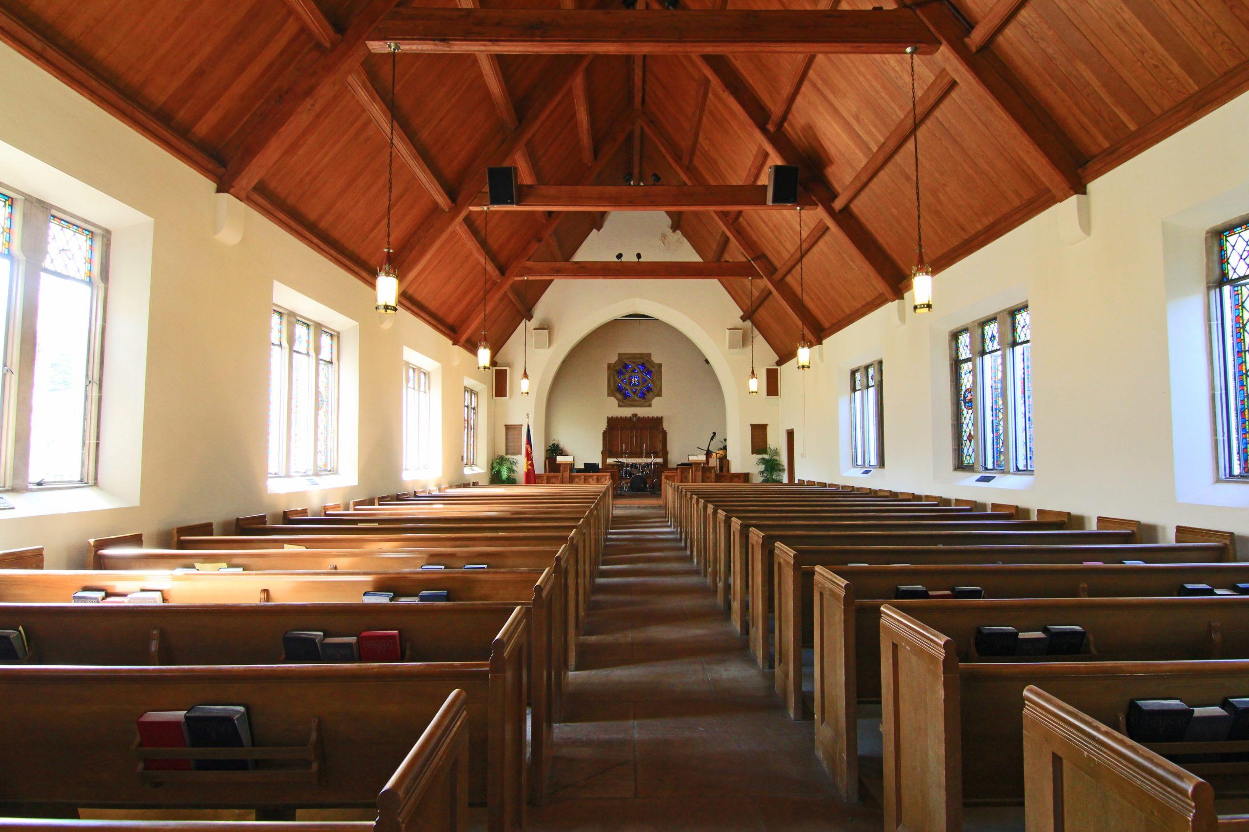 Governador da Califórnia pagará multa por fechar igrejas