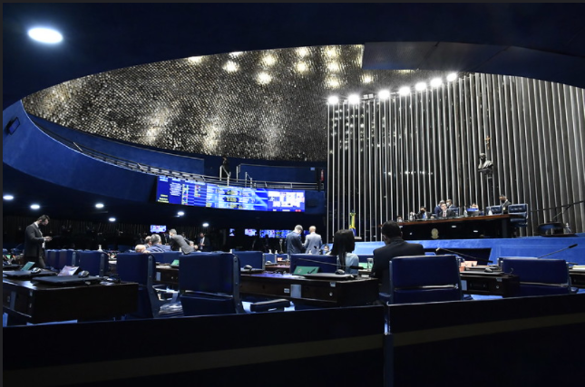 Senador Randolfe Rodrigues muda narrativa sobre tratamento precoce
