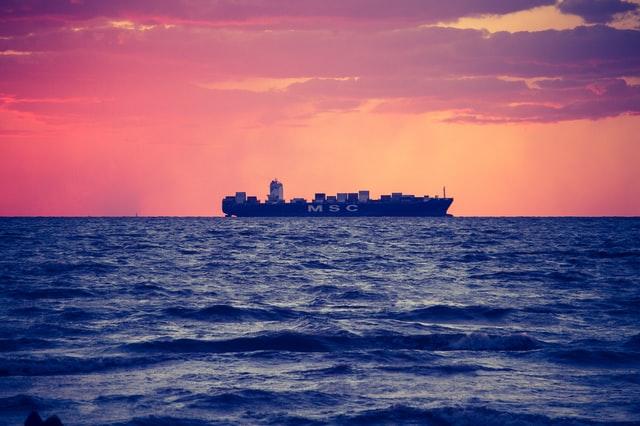 Rastreamento de containers: Maersk cria plataforma blockchain